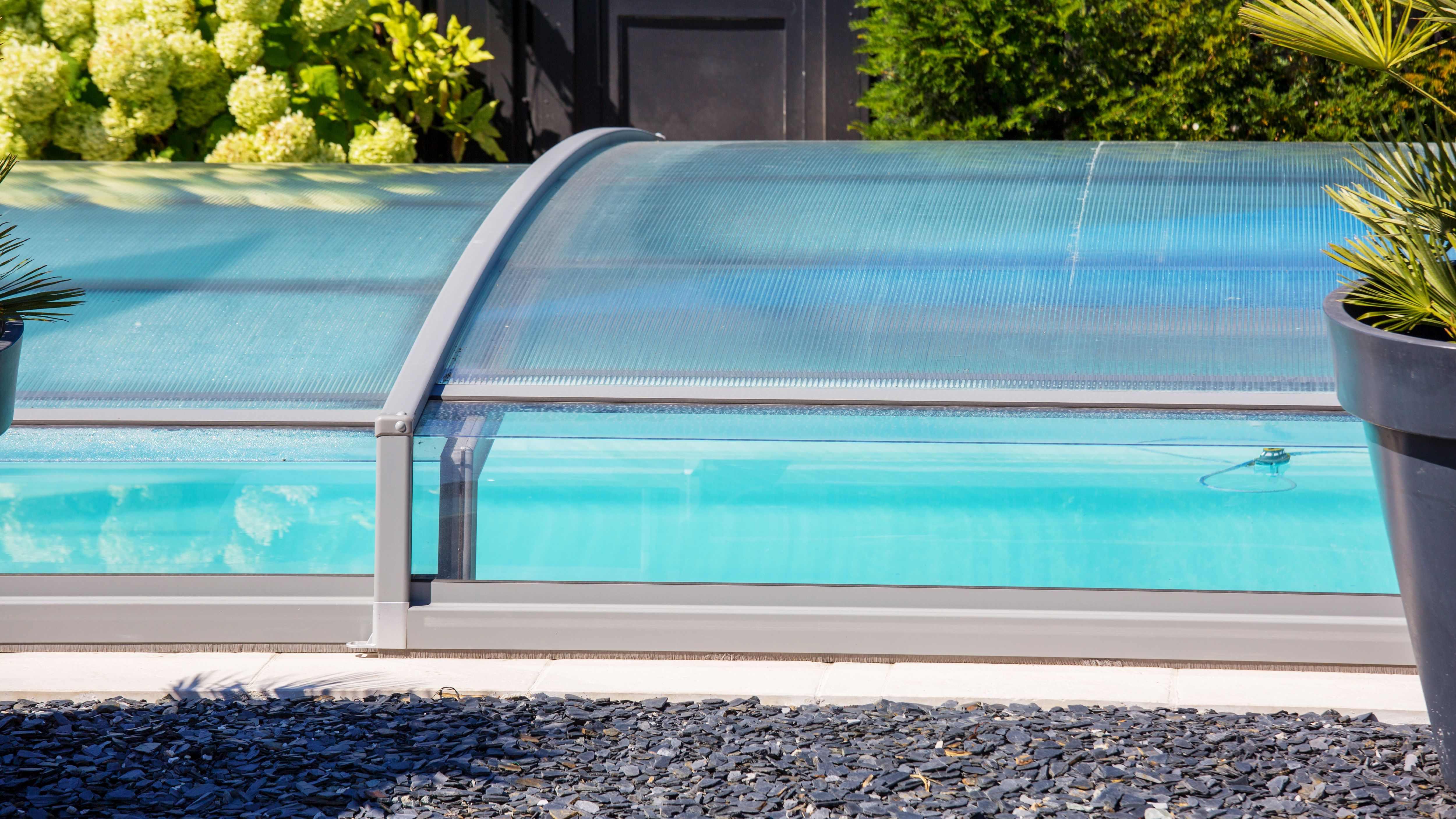 Cómo elegir una cubierta para piscina