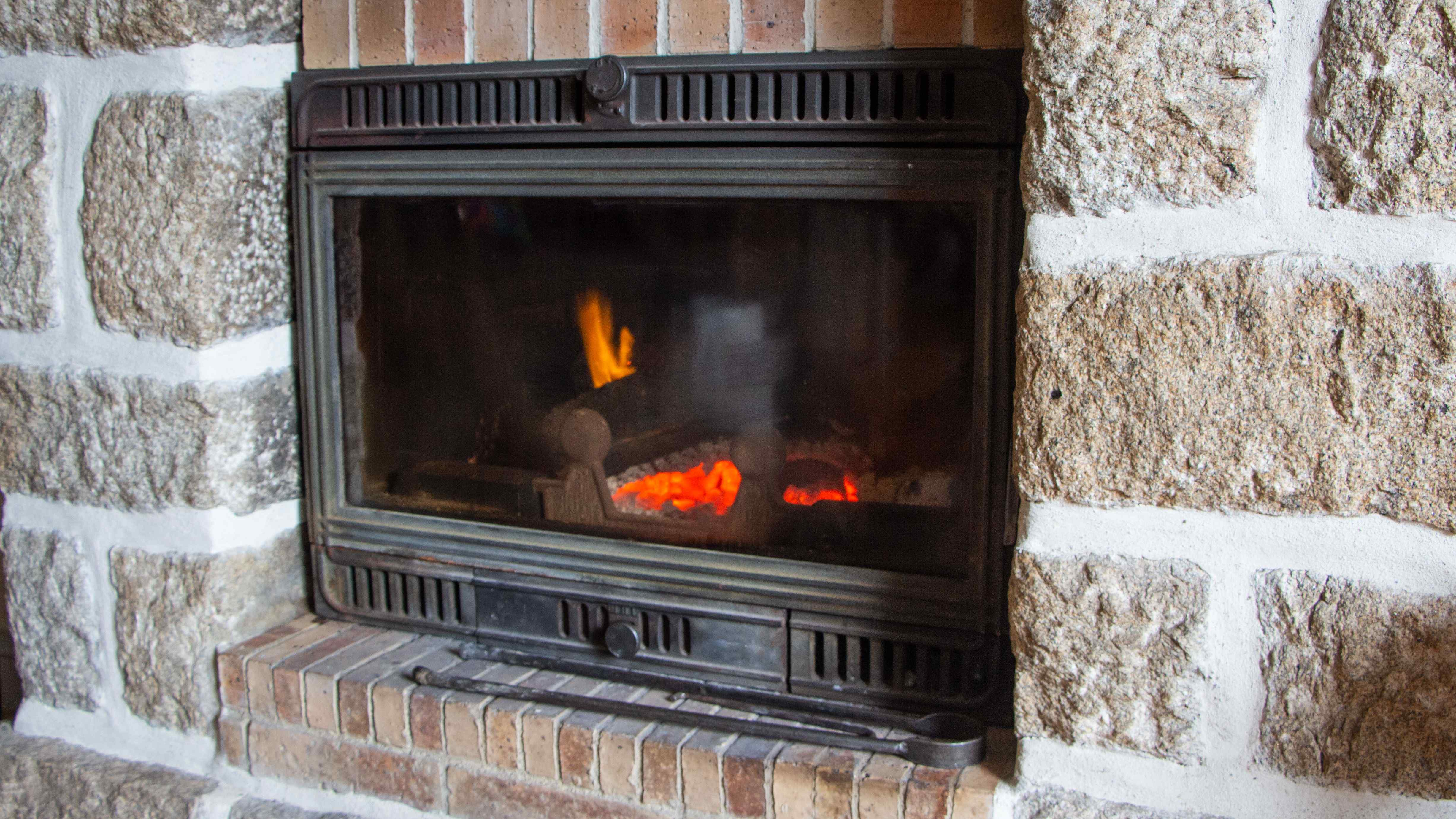 Wood fireplace insert buying guide