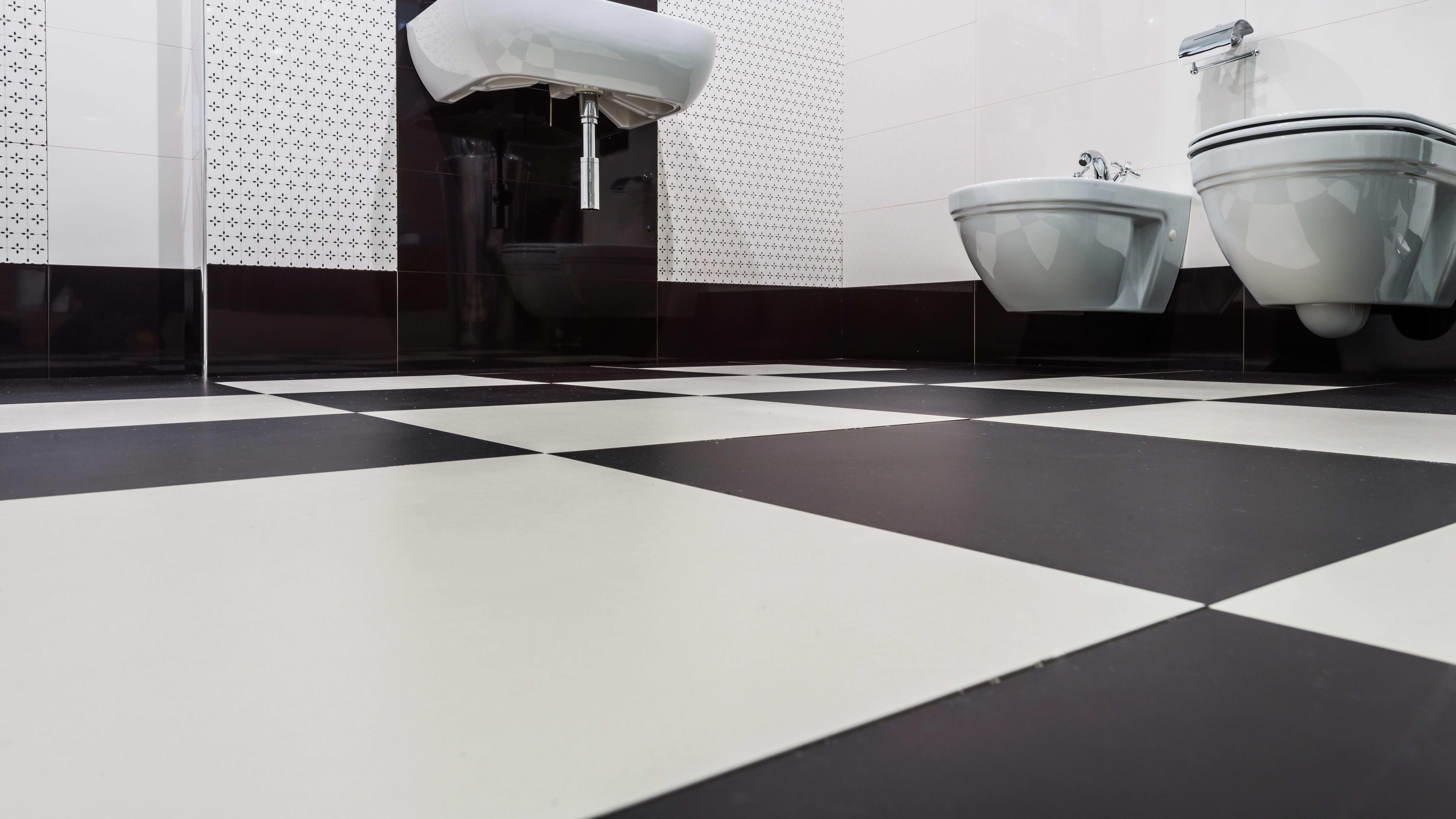 Comment choisir  un revêtement de sol de salle de bains