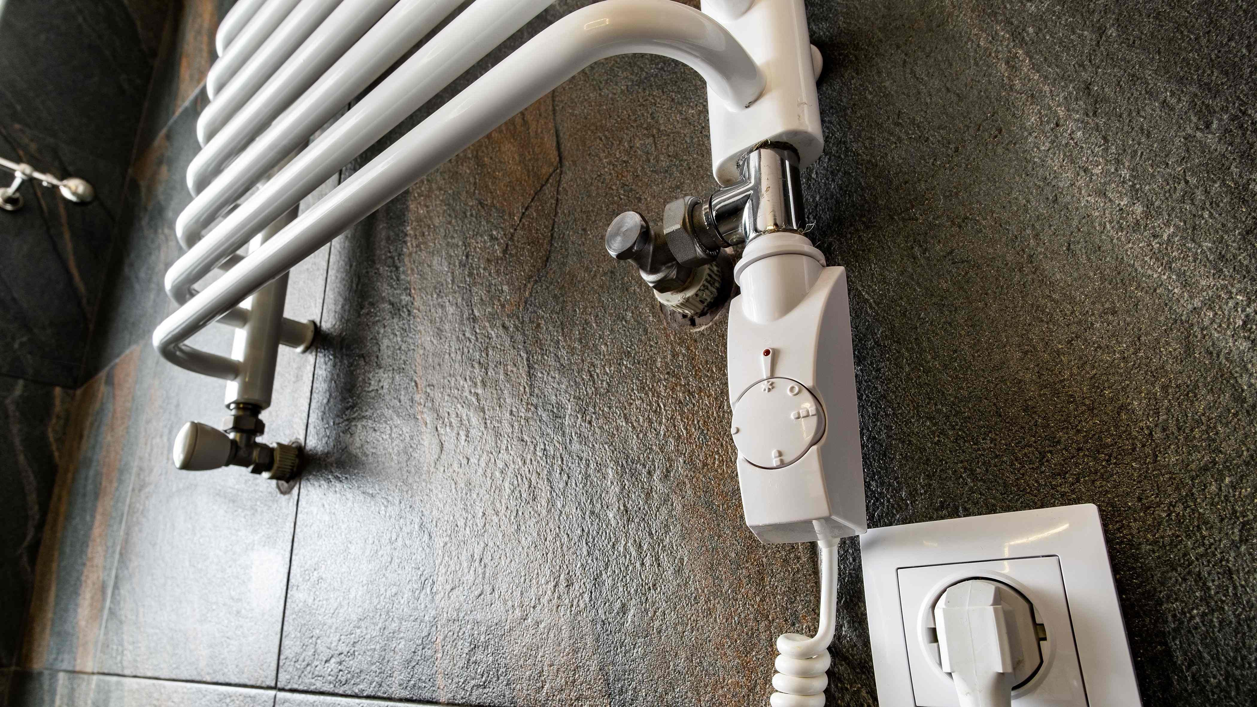 Comment installer  un radiateur sèche-serviettes