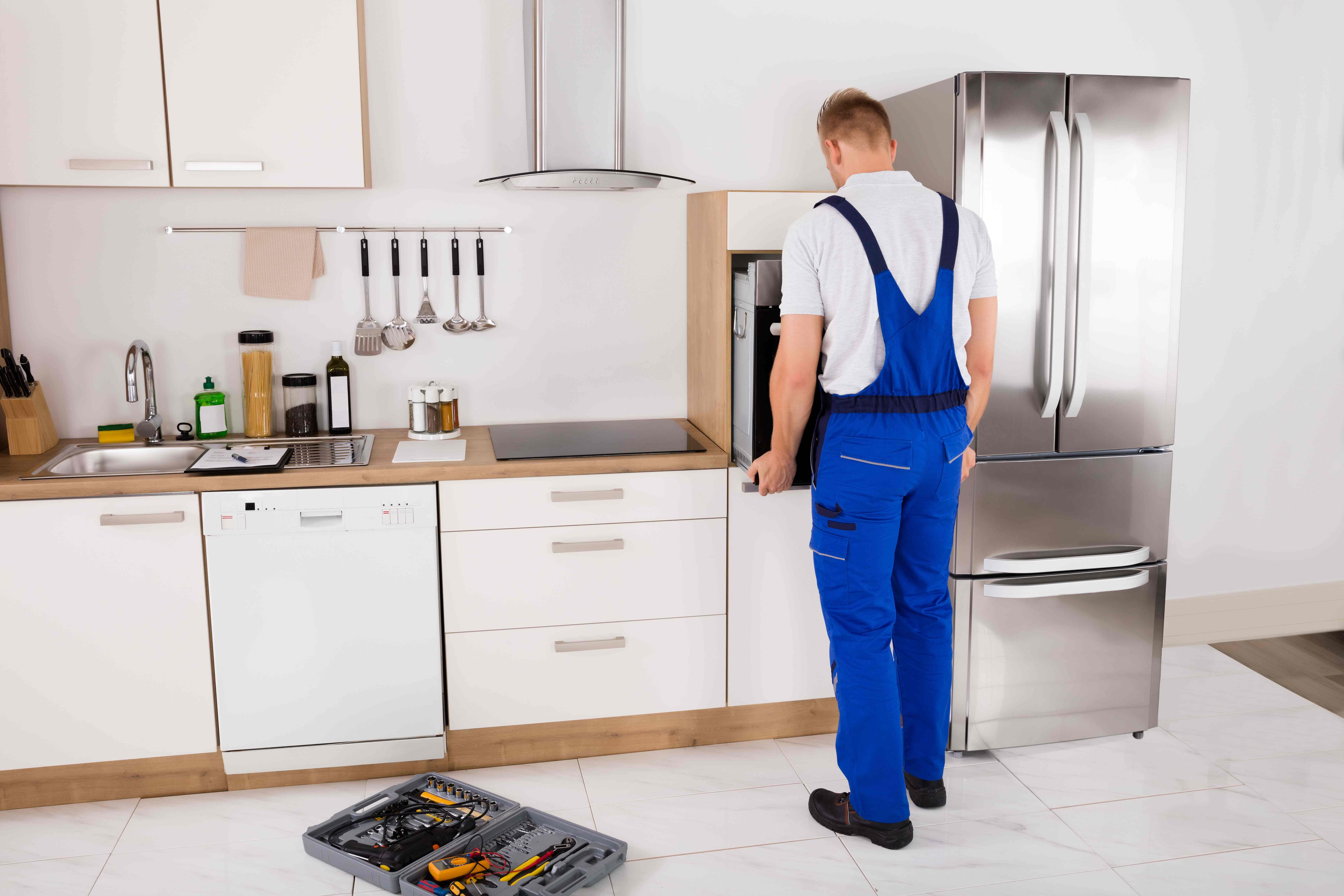 How to hang  kitchen wall units