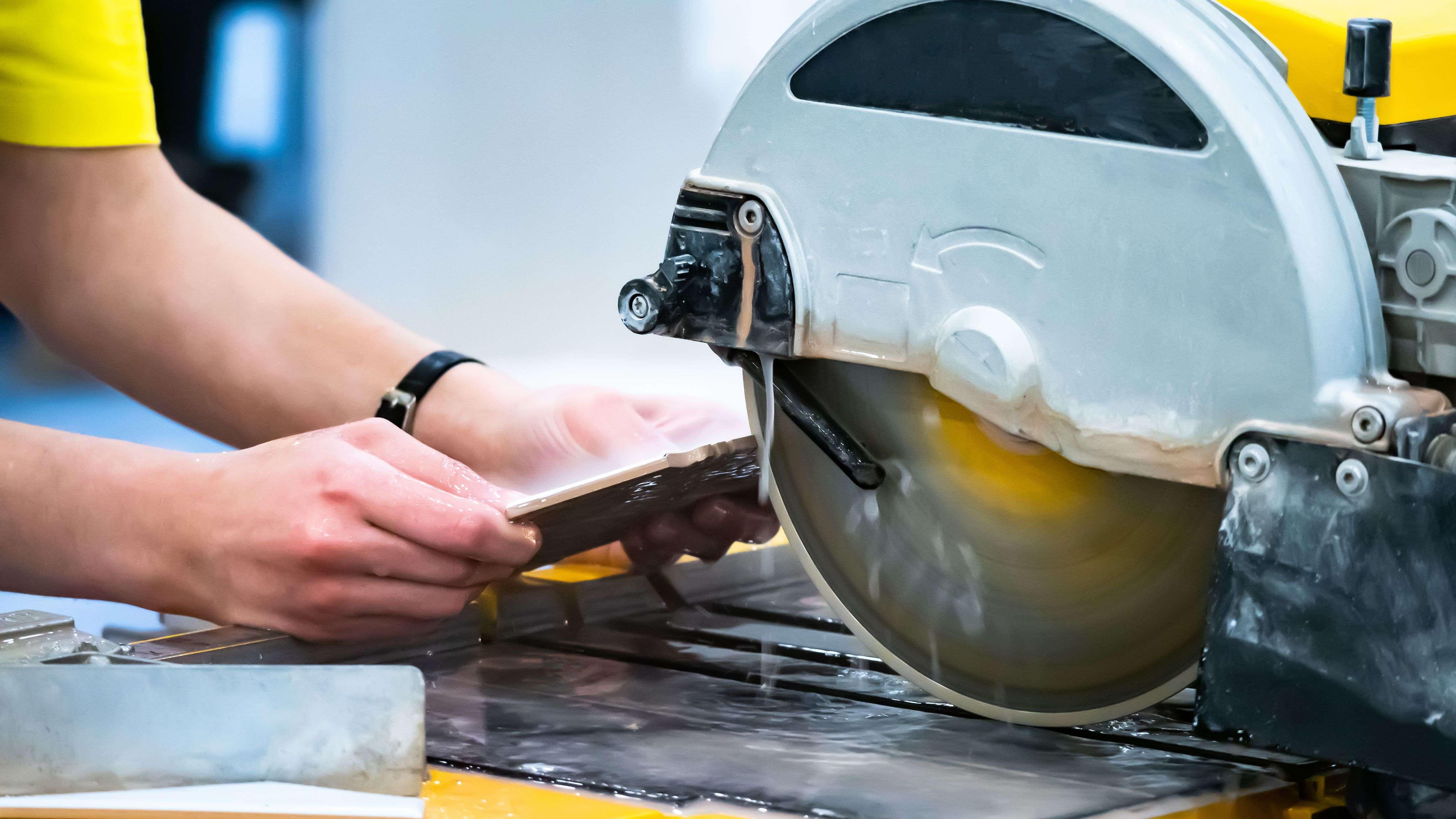 Comment choisir  sa scie à matériaux