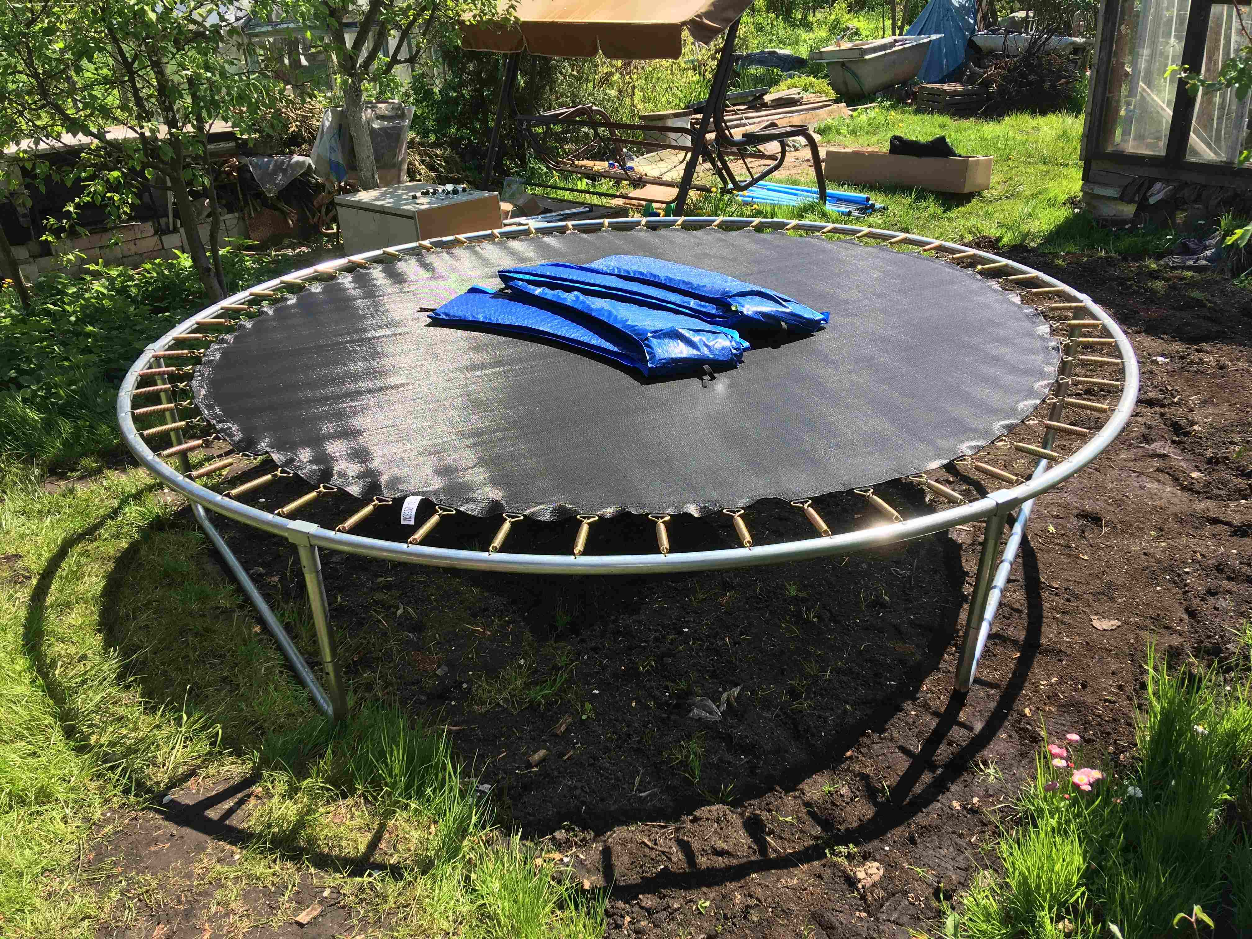 How to install a trampoline