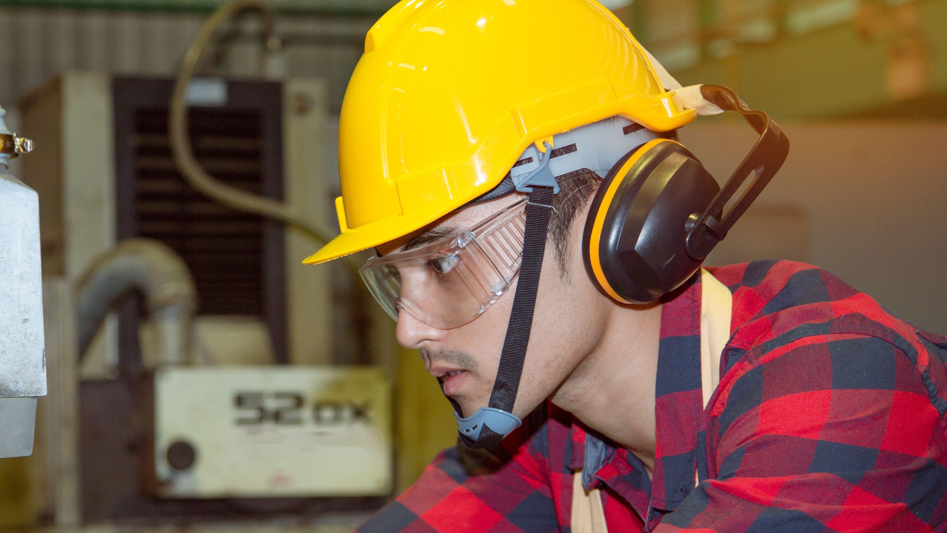 Comment choisir ses protections auditives et comment protéger sa tête