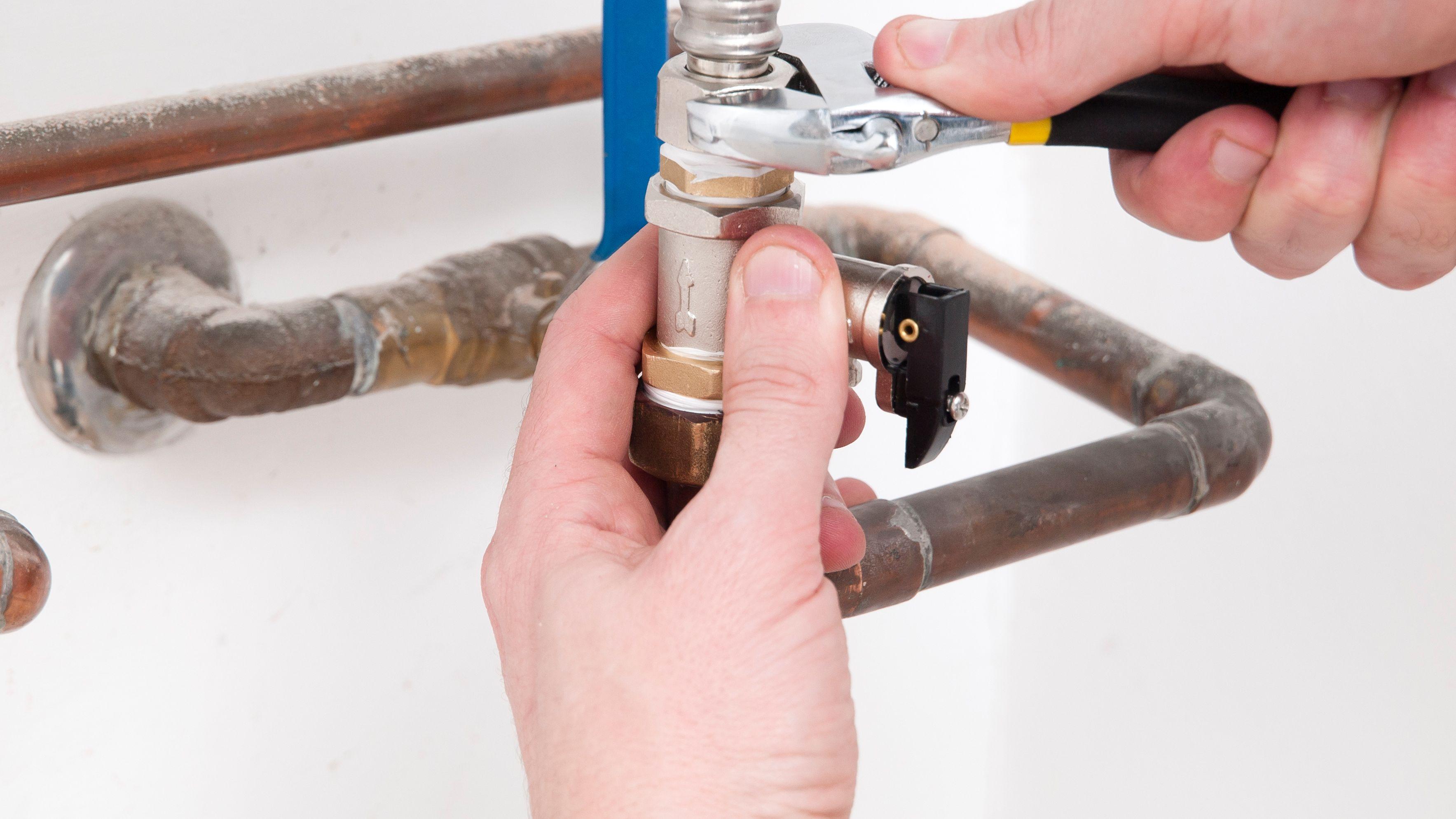 Comment changer le groupe de sécurité d'un chauffe-eau électrique