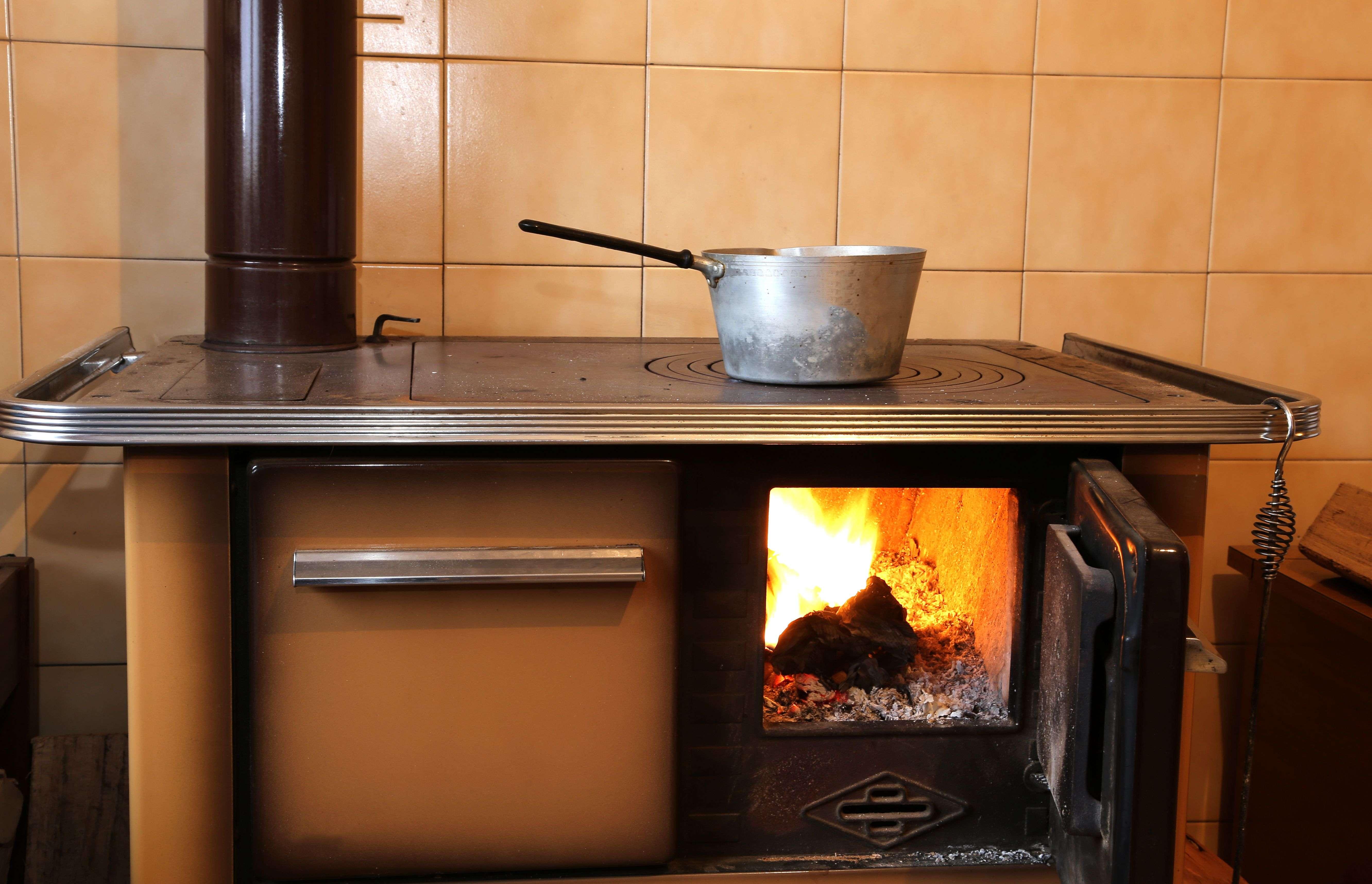 Comment choisir sa cuisinière a bois