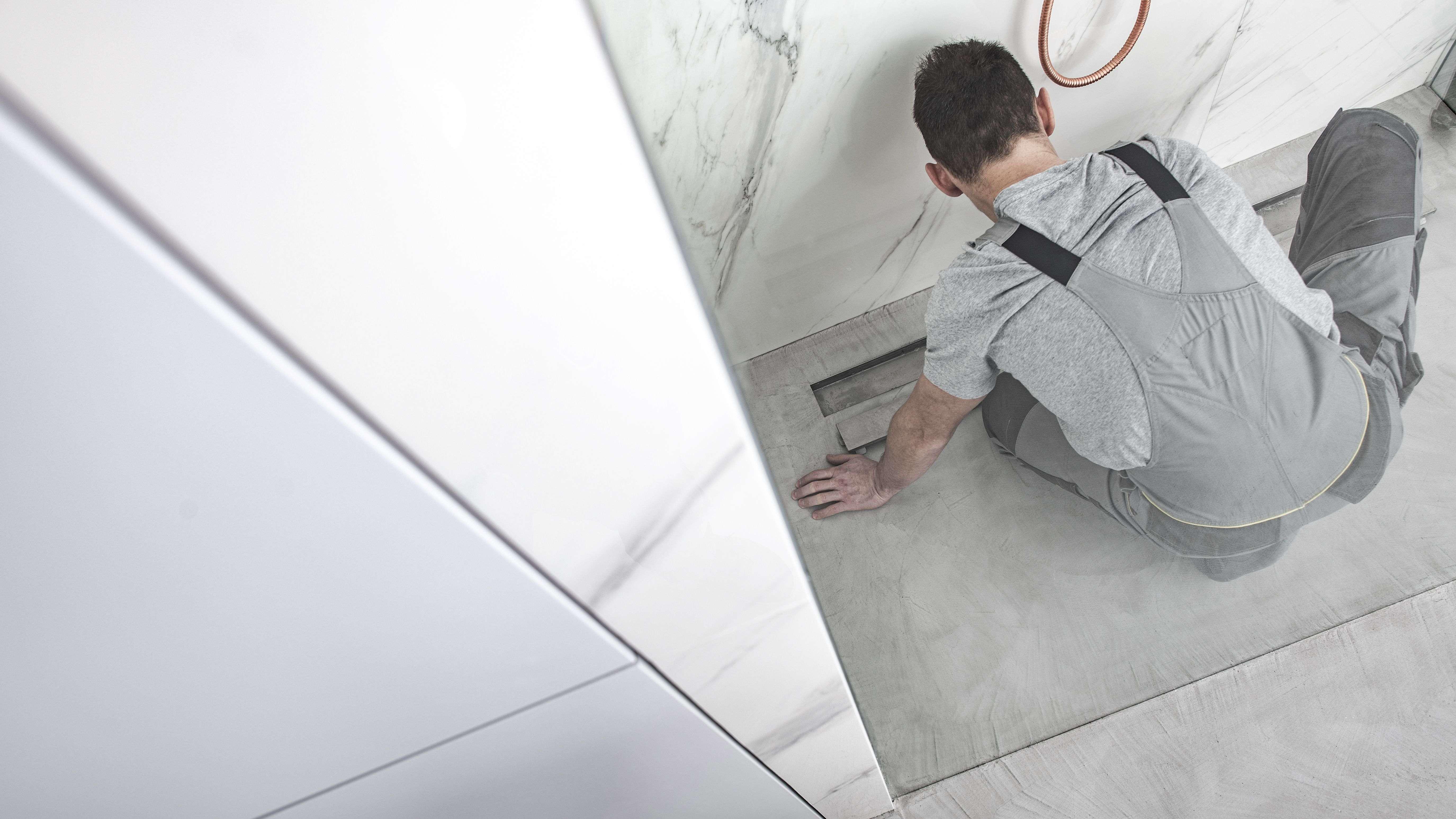 Comment installer  un receveur de douche à encastrer