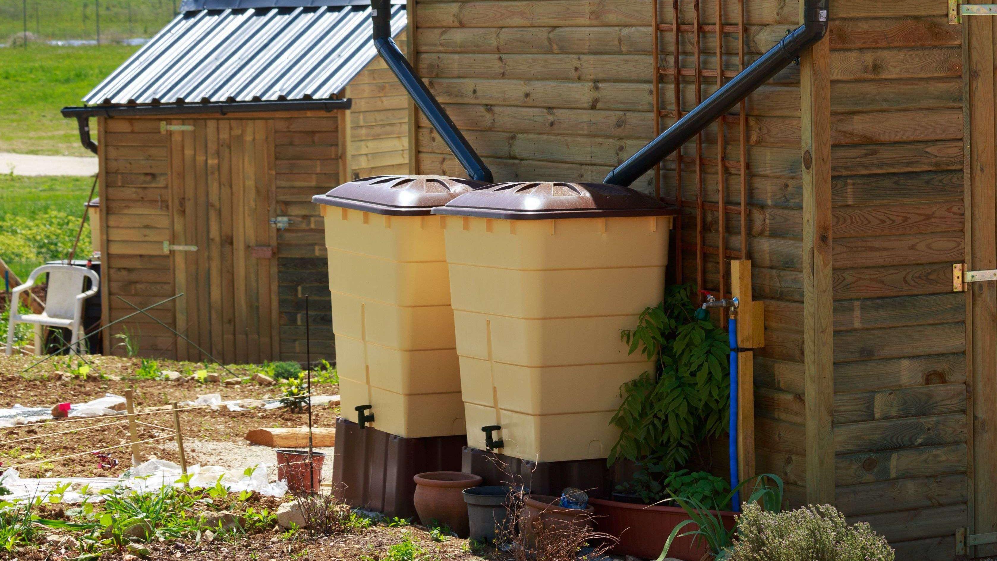 Récupération d'eau de pluie : cuve enterrée ou cuve extérieure