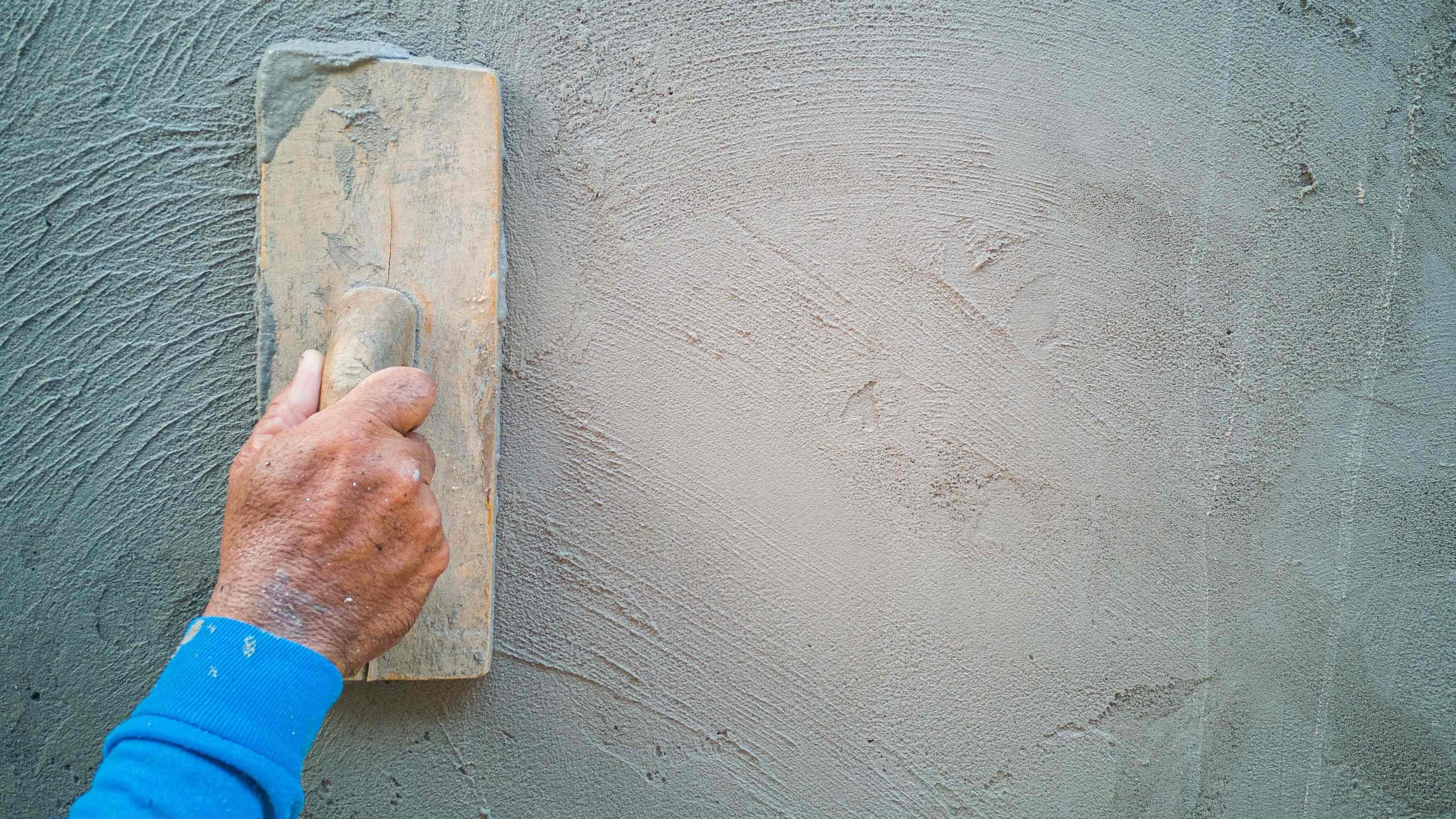 Comment créer un effet béton sur un mur