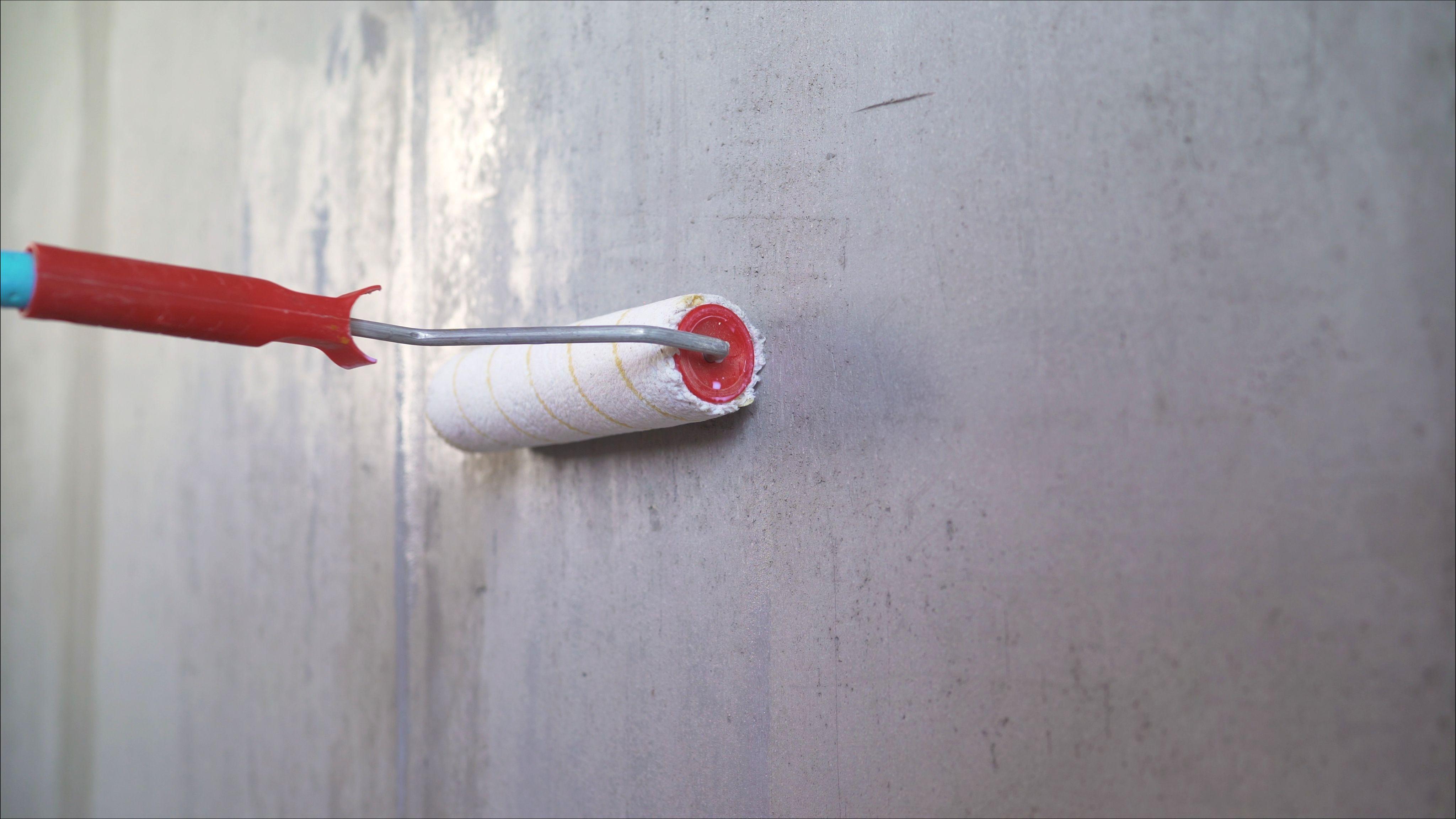 Cómo elegir productos antihumedad para paredes y suelos