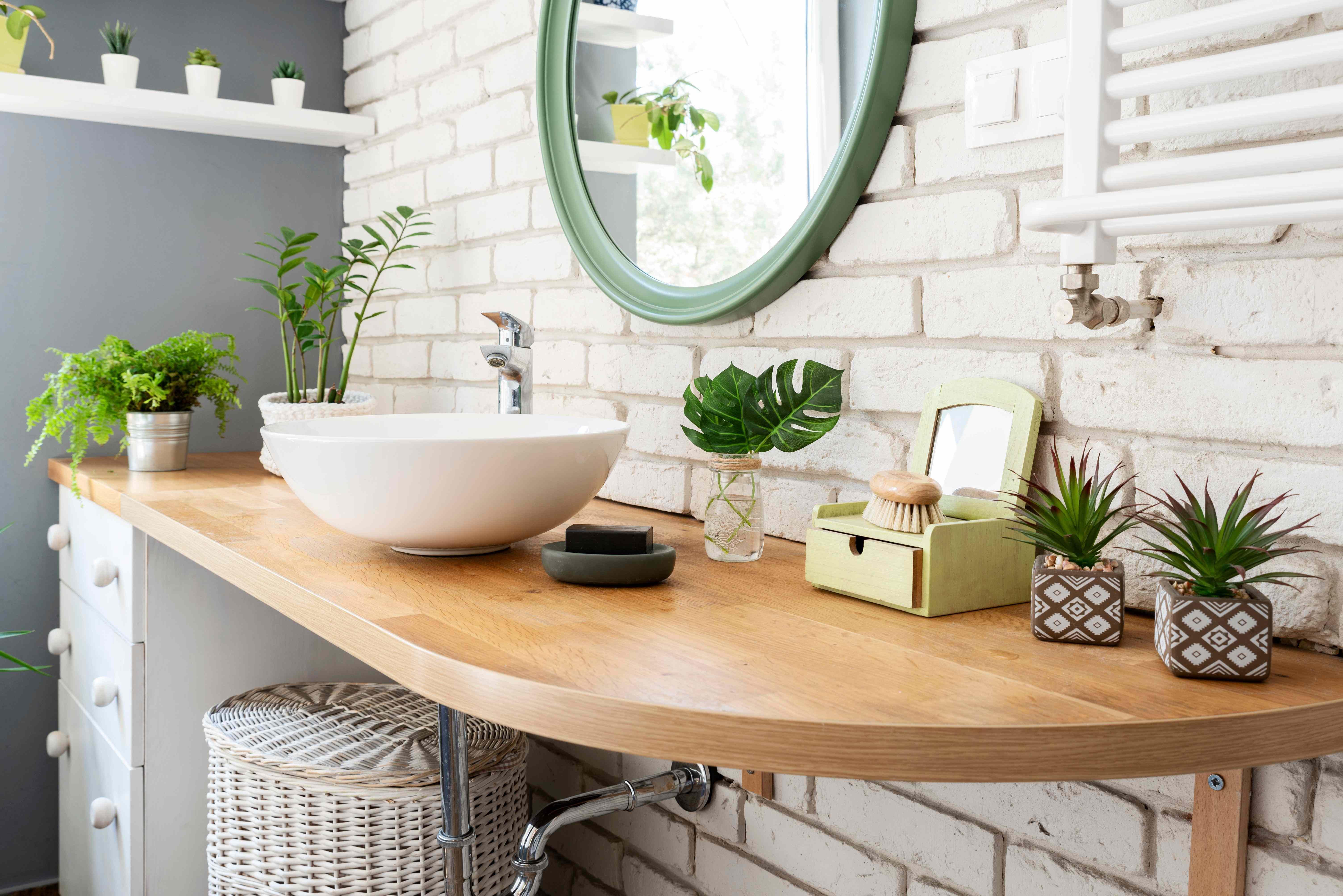 Cómo decorar tu baño por poco dinero