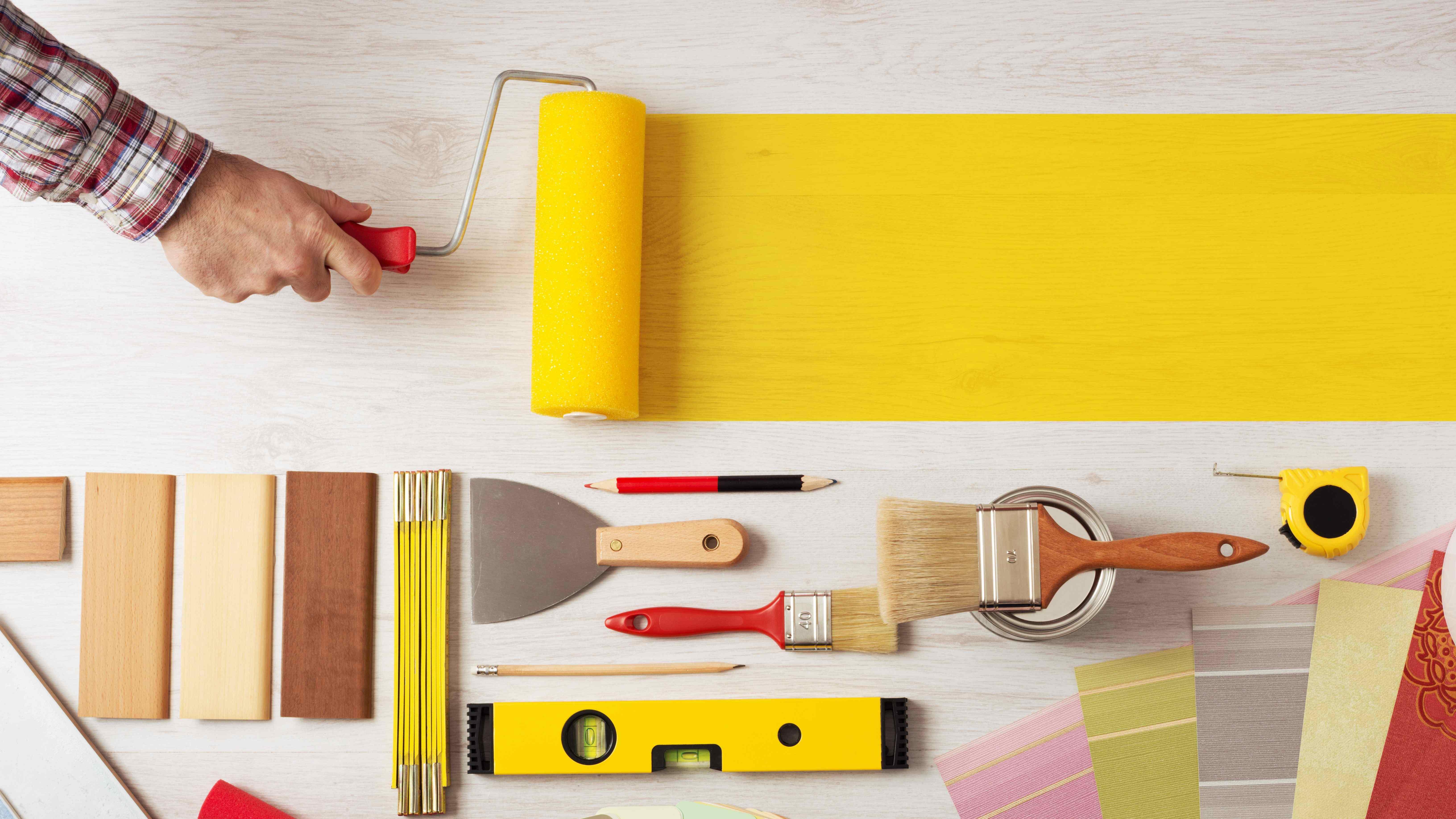 Cómo elegir la pintura para madera interior