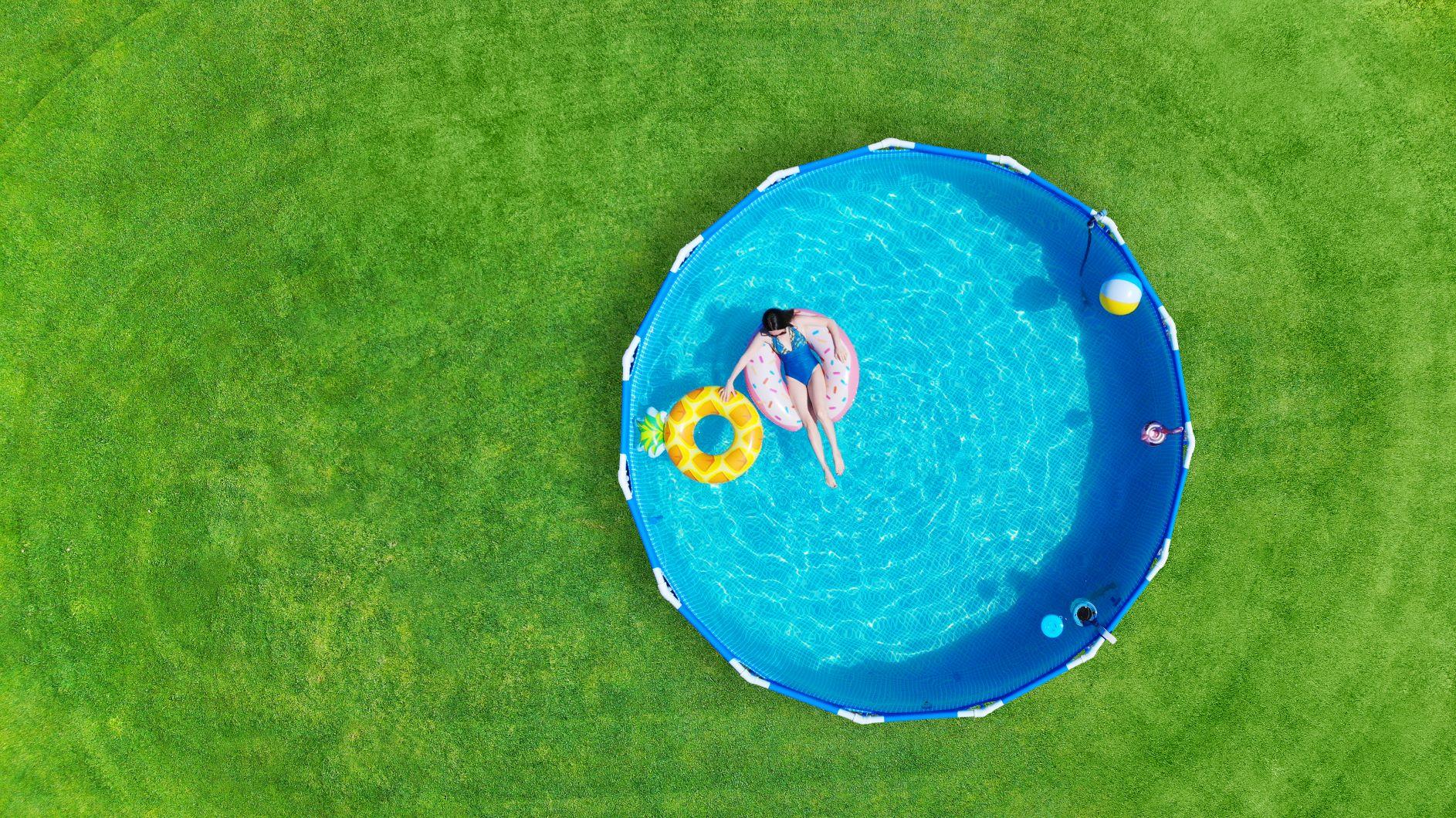Cosa mettere sotto una piscina fuori terra