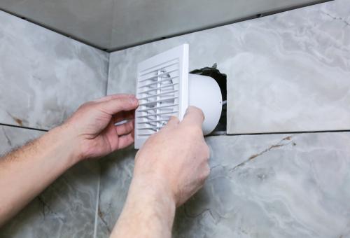 So Entfernen Sie Schimmel Im Badezimmer