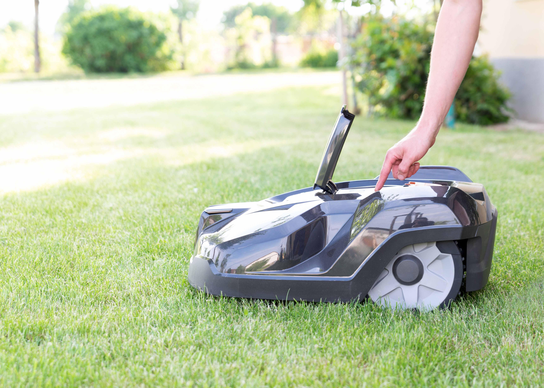 Robot lawnmower buying guide
