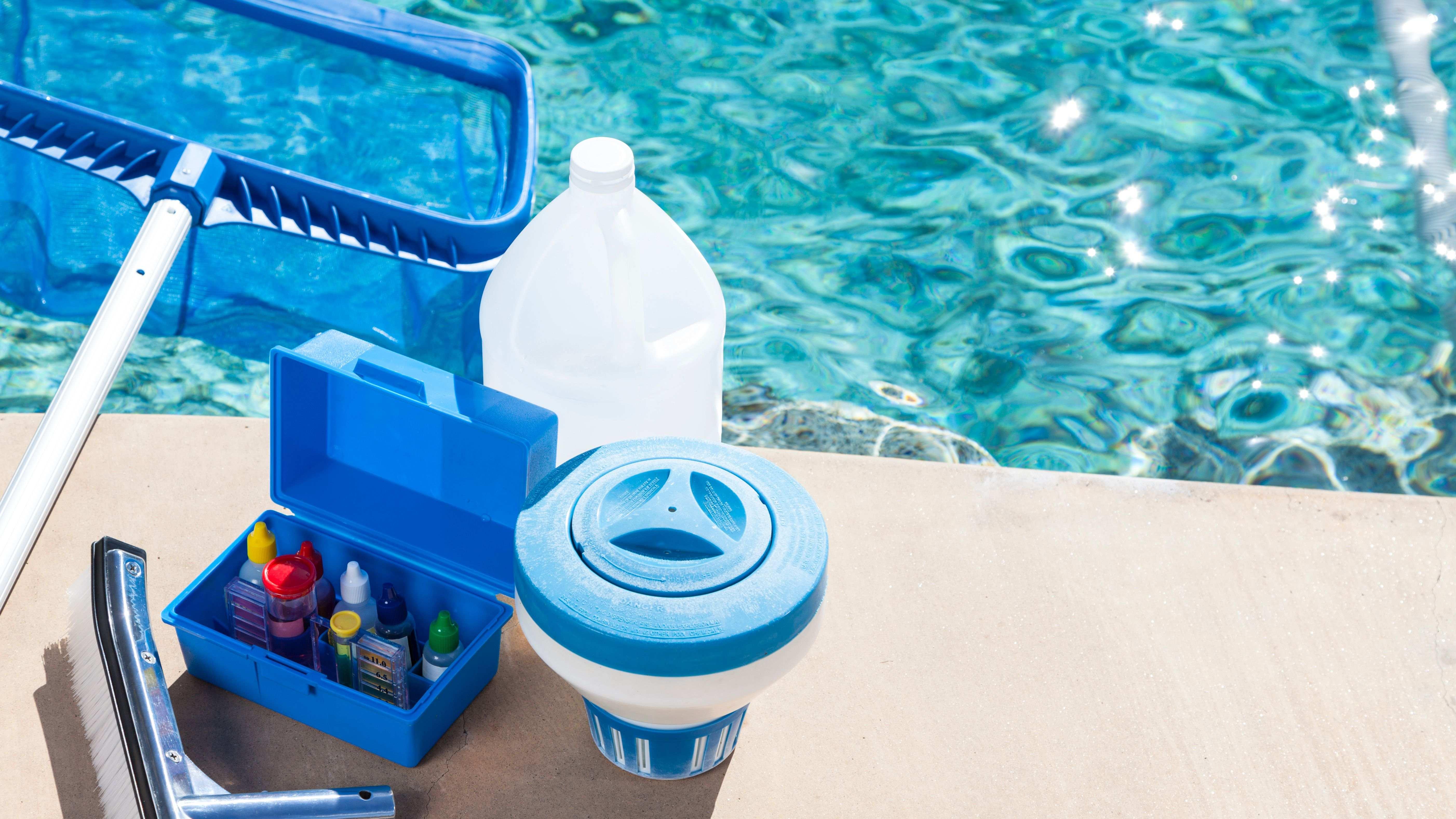 Comment choisir des produits pour nettoyer une piscine ?