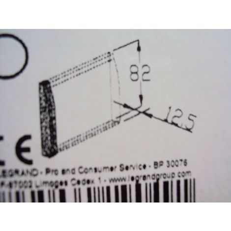 Embout blanc pour moulure platre 82x12,5mm LEGRAND 019049