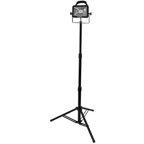 Faithfull Power Plus FPPSLLED20VL SMD LED SingleHeadTripodSitelight 1800 Lumens 20 Watt110 Volt