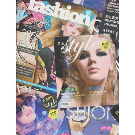 Fashion Wallpaper Magazine Print Girls Bedroom Typography Metallic MultiColoured