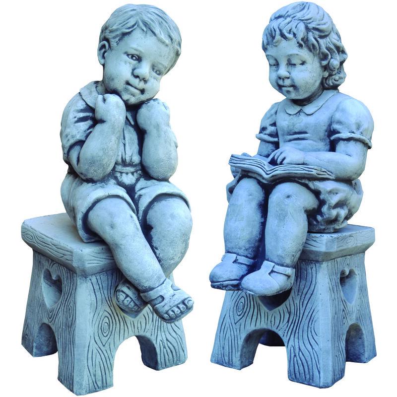 Figure décorative ENFANTS SUR BANC en béton-pierre pour le jardin 40cm.