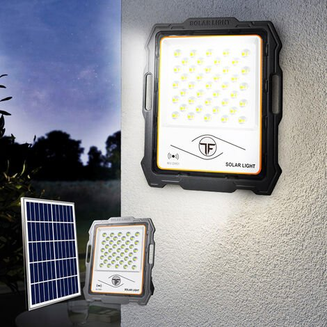 "main image of ""Foco portátil con placa solar de 100W LED 2000 lúmenes teledirigidos Inluminatio M"""