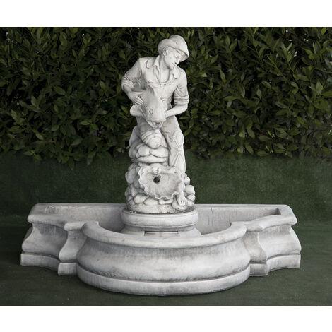 Fontaine murale classique en béton-pierre Mod. Pêcheuse 100x140cm.