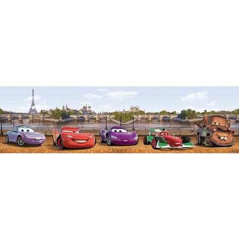 Frise Cars City Disney à Paris devant la Tour Eiffel