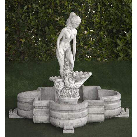 Fuente central clásica de hormigón Mod. Mujer 106x106x94cm.