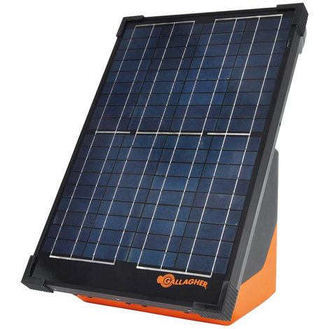 Gallagher S200 solar electrics with 2 batteries and integrated panel for fences up to 10 km