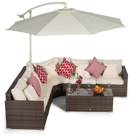Giardino Santorini 5 Seat Brown Rattan Corner Sofa Set + Large Coffee Table + Parasol + Outdoor Furniture Cover | L Shaped Outdoor Corner Sofa | 7 piece Patio Poly Rattan Garden Sofa Set + Sun Lounger