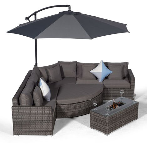 Giardino Santorini 5 Seat Grey Rattan Corner Sofa Set + Large Ice Cooler Table, Parasol + Outdoor Furniture Cover | L Shaped Outdoor Corner Sofa | Poly Rattan Garden Sofa Set + Sun Lounger & Daybed