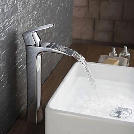 Grifería de lavabo con caño en cascada, acabado cromado de estilo moderno