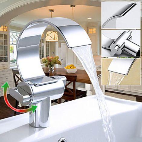 Grifería de lavabo doble con grifo monomando, acabado cromado y estilo contemporáneo.