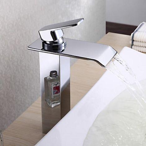 Grifería de lavabo en cascada con caño plano y una manija, acabado cromado de estilo moderno