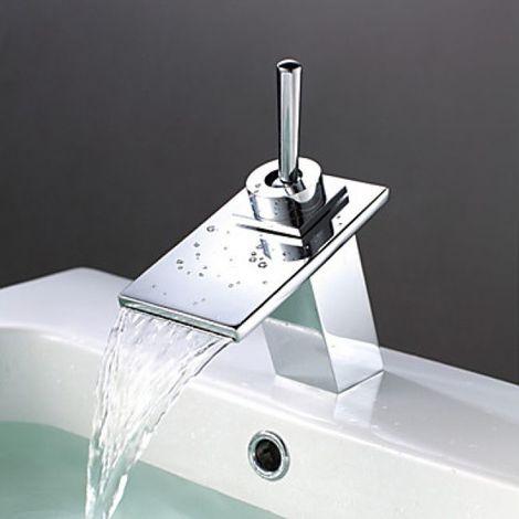 Grifo de lavabo tipo cascada con caño ancho equipado con un mango, acabado cromado para un estilo contemporáneo