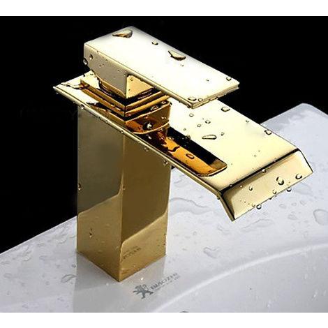 Grifo monomando moderno con caño cascada en oro