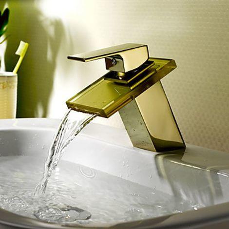 Grifo para fregadero en cascada, estilo contemporáneo con acabado dorado (TI-PVD)