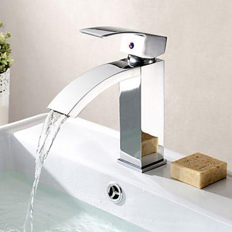 Grifo para lavabo de latón, estilo contemporáneo con acabado cromado.