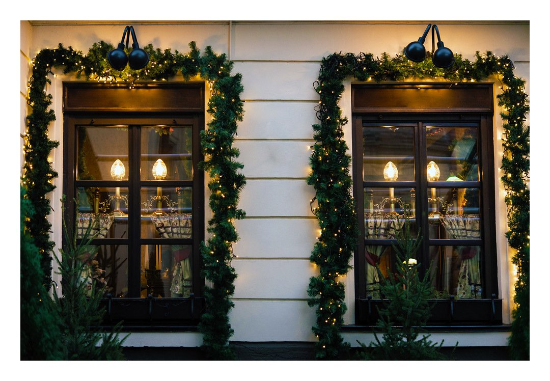 Deco De Noel Lumineuse Pour Fenetre guirlande de noël lumineuse avec déco - 5m 80 led - sapin - télécommande  incluse