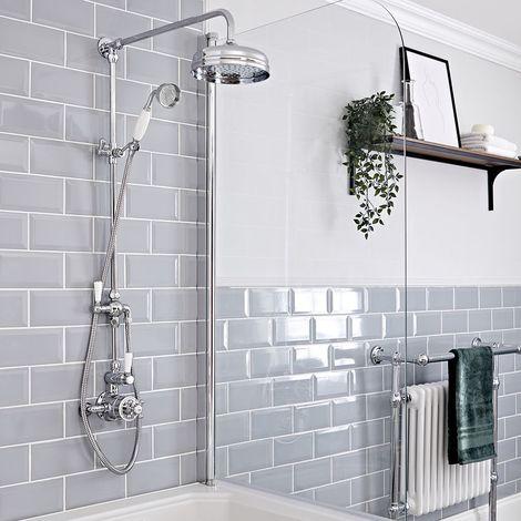 Hudson Reed Elizabeth - Retro Duschsäule mit 2-Wege-Aufputzthermostat, rundem Regenfalleffekt-Duschkopf und Brausegarnitur - Chrom und Weiß