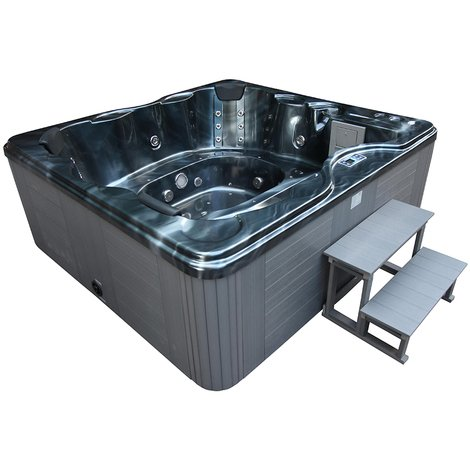 Hard shell hot tubs