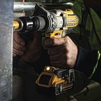 Dewalt DCK276M2T 18v Brushless DCD996 Combi Drill DCF887 Impact Driver 2 x 4.0ah