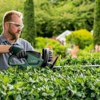 Bosch Universal HedgeCut Electric Hedge Cutter Garden Trimmer 50cm Blade