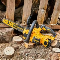 Dewalt DCM565P2 18v XR 30cm Cordless Chainsaw Brushless - 2 x 5.0ah Batteries