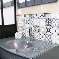 Tendance Ciment sable/bleu | Crédence salle-de-bain en PVC Carreaux de ciment sables bleus - Lot de 2 bandeaux L70xH30cm