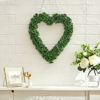 Green Artificial Topiary Boxwood Heart Design Wreath Garden Ornament
