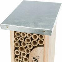Hotel per api. Altezza 30 larghezza 9,5 profondità 14 cm.