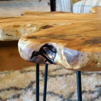 Diseño Mesa de café industrial en madera de cedro y hierro forjado con bordes