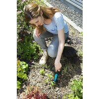 Weeding knife Garden tool Ideal for efficiently remove weeds, ergonomic handle, corrosion-protected, working length 14.5 cm