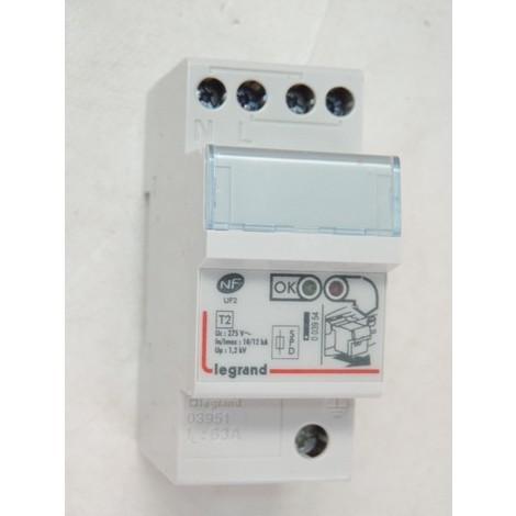 Parafoudre modulaire 2P type 2 Imax 10-12kA monobloc avec indicateur d'état pour tableau électrique LEXIC LEGRAND 003951
